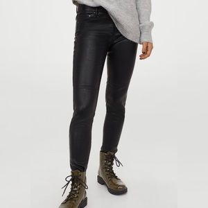 Faux leather straight leg pants - Black